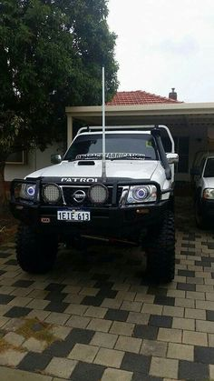 ✩ Check out this list of creative present ideas for beard lovers Nissan Patrol Y61, Patrol Gr, Whisky Tasting, Camping Aesthetic, 4x4 Trucks, Bars For Home, Dream Cars, Rigs