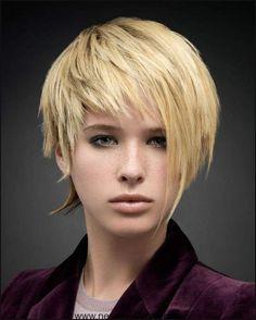 Die besten 25 Kurz asymmetrische frisuren Ideen auf Pinterest ... | Einfache Frisuren