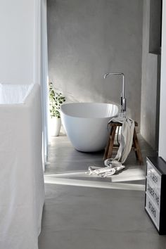 Tour a Minimalist Scandinavian Winter White Home - Fashion Minimalist Scandinavian, Scandinavian Home, Bathroom Inspiration, Interior Inspiration, Inspiration Boards, Living Etc, Living Rooms, Interior Architecture, Interior Design