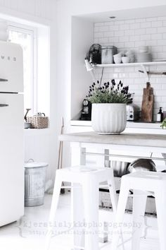 I'd like to upgrade my plastic kitchen trashcan for a sleek industrial looking one like yesterday!