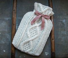 forty percent fringe : sixty percent face: cable hot water bottle cover pattern for knitting. Knitting Patterns Free, Knit Patterns, Free Knitting, Free Pattern, Crochet Home, Crochet Crafts, Knit Crochet, Water Bottle Covers, Knitting Projects