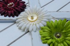 Check out this item in my Etsy shop https://www.etsy.com/listing/464426102/antiqued-daisy-hair-clip
