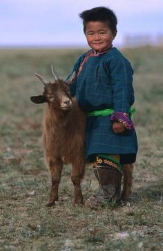 Two little babes in Mongolia. Photo © Jerry Galea Oh you are so cute! Precious Children, Beautiful Children, Beautiful People, Kids Around The World, People Around The World, Mongolia, Animals For Kids, Animals And Pets, Baby Goats