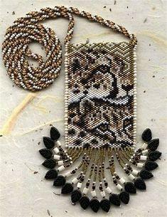 Images Beaded Cuff Bracelet, Beaded Bracelet Patterns, Peyote Patterns, Loom Patterns, Beading Patterns, Beaded Earrings, Beaded Purses, Beaded Bags, Seed Bead Crafts