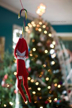 Funny Elf on the Shelf Ideas, check out this zip line!