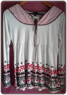 Camiseta con manga larga, estampado, cuello V detalle corazones, cordón ajustable. 100% Algodón - Manga: Larga Talla: M  http://www.aleko.kingeshop.com/CamisetaBlusa-Cordon-dbbaaaatc.asp