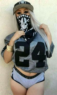Shrink your URLs and get paid! Oakland Raiders Images, Oakland Raiders Football, Oakland Raiders Wallpapers, Raiders Tattoos, Estilo Chola, Raiders Cheerleaders, Chola Girl, Catrina Tattoo, Raiders Girl