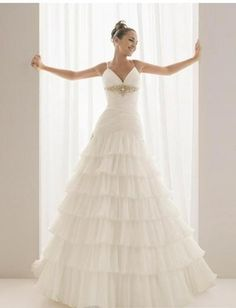 Sexy V-neck with Spaghetti Straps and Layered A line Skirt 2010 New Wedding Dress WD-0066