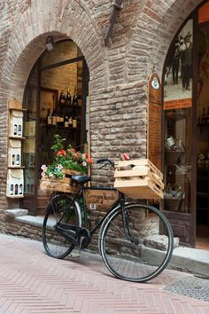 San Gimignano, Toscana ~ Italy  Great wines to be bought here.  The white is my favorite <3 The local is really good ~~