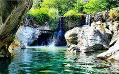 Les gorges du Gardon, la cascade de Saint-Étienne-Vallée-Française, à proximité de Saint-Jean-Du-Gard, Anduze et Ales à la limite entre Gard et Lozère