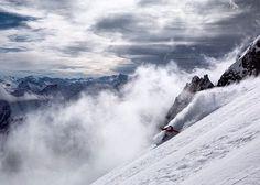 Enjoying Italy at its Peak! Enjoying @courmayeurmontblanc and #puntahelbronner , new season in Alps is coming soon and #IDOITINCOURMAYEUR ❤️ Осталось совсем немного до начала соревновательного сезона и я очень рада что наша основная тренировочная база в Италии - Курмайор уже подсыпается снегом, закладывая стабильную базу для будущих приключений ✌️#courmayeur #aostavalley @roxy_russia @cep_russia #girosnow #snowboarding #snowboard #сноуборд