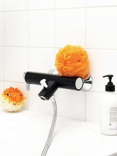 Coloric badkarsblandare i färgen Sinful Black är lite mer uppseendeväckande än andra blandare | GUSTAVSBERG Tub Faucet, Hair Dryer, Toilet Paper, Black, Black People, Dryer, Toilet Paper Roll