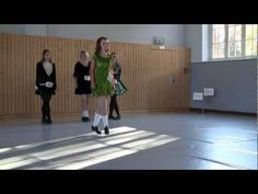 Éire Feis 2011 - Treble Reel - Primary 2. First waiting in line — cream and black dress