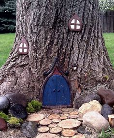 51 ideas fairy tree house kids A means of not overloading small garden spaces is the monochrome des… in 2020 Fairy Doors On Trees, Fairy Garden Doors, Fairy Tree Houses, Fairy Village, Fairy Garden Houses, Gnome Garden, Small Space Gardening, Garden Spaces, Indoor Gardening