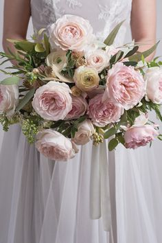 Keira by David Austin - a wedding and event cut rose. The delicate blush pink and creamy hues of Keira are shown in this loose-styled, hand tied bridal bouquet. Small Wedding Bouquets, Diy Wedding Flowers, Rose Wedding, Wedding Ideas, Garden Rose Bouquet, Pink Rose Bouquet, David Austin Roses Bouquet, 2017 Wedding Trends, Hawthorne House