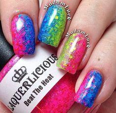 Colourfull glitter nails