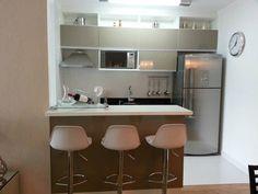 Un apartamento pequeño con 6 trucos de decoración Simple Kitchen Design, Kitchen Room Design, Home Room Design, Kitchen Interior, Small Modern House Plans, Condo Interior Design, Small Kitchen Layouts, Kitchen Decor Themes, Home Decor
