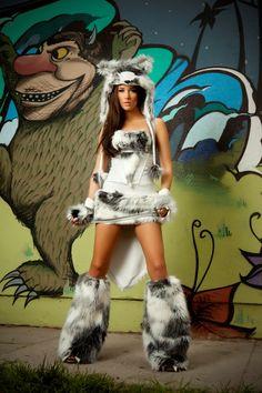 #jvalentineinc #costume #halloween #fauxfur #veganfur #photoshoot #cosplay #madeinusa #rave #festival
