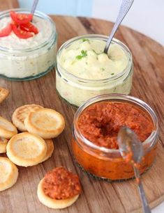 3 easy spreads for the cocktail bar - Francesca Kookt Mezze, Pizza Appetizers, Tapenade, Food Porn, Brunch, Snack Recipes, Healthy Recipes, Snacks Für Party, Mayonnaise