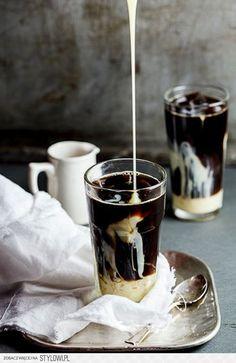 3. Mocna kawa mrożona Składniki na 2 porcje: mocna cz… na Stylowi.pl