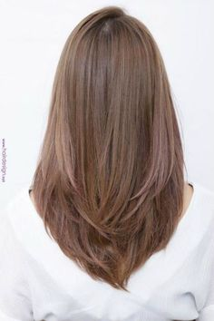 The inner roll nuances of the shaggy touch and the soft texture are attractive . シャギータッチでソフトな質感が魅力の内巻きニュアンス… Shaggy-touch, soft texture is attractive inside-roll nuance hair Haircuts For Medium Hair, Haircut For Thick Hair, Medium Hair Cuts, Long Hair Cuts, Hairstyles Haircuts, Straight Hairstyles, Cool Hairstyles, Hairstyle Ideas, Haircut Medium