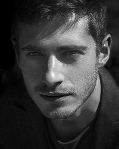 English actor Julian David Morris (born 13 January 1983)
