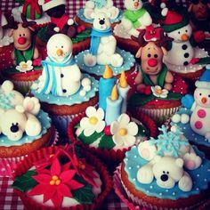Some holiday treat inspiration! Christmas cupcake art!