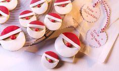Süße Weihnachtskekse  mit Nikolaus-Optik aus Fondant