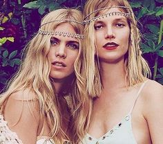 Image of Great Gatsby jewelry free with alone Gatsby Headband, Bohemian Headband, Bohemian Accessories, Wedding Hair Accessories, Beach Style Chandeliers, Off Shoulder Lace Dress, Boho Beach Style, Boho Chic, Free People