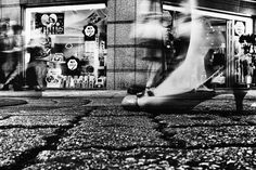 Gritty Black and White Photos Capture the Dynamic Energy of Tokyo's Streets - My Modern Met