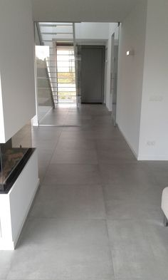 concrete look floor tiles cm kronos prima materia cemento - Diele - Home Grey Flooring, House, Kitchen Flooring, Interior, House Flooring, New Homes, Flooring, Interior Design, Grey Bathrooms