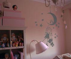 Vinilos decorativos infantiles de niña en la luna 60x90 cms Gris Oscuro de dqcolor vinilos, http://www.amazon.es/dp/B00ABWFXTA/ref=cm_sw_r_pi_dp_kz.gxbVS2NPHX