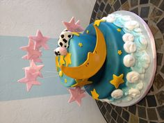 """""""The cow jumped over the moon"""" inspired baby shower cake"""