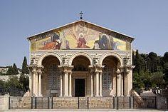 La Basílica de Getsemaní, también conocida como Basílica de las Naciones o de la Agonía, es un templo católico situado en el Monte de los Olivos de Jerusalén, junto al jardín de Getsemaní. En su interior se encuentra la porción de roca en la que, según la tradición, Jesús oró la noche de su arresto, después de celebrar la Última Cena