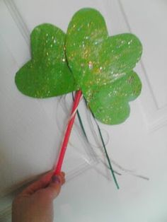 Here's a fun thing to do with hearts ~ Make a Shamrock Wand for #Saint #Patricks Day.