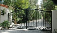 Electric Driveway Gates Installation - Gate Systems - Chicagoland Automatic and Driveway Gates - (224) 433-6032