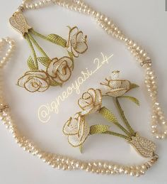 Fotoğraf açıklaması yok. Jute Crafts, Diy And Crafts, Embroidery On Clothes, Organza Flowers, Bare Foot Sandals, Beading Tutorials, Crochet Necklace, Gold Necklace, Beads