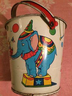 """VINTAGE CHEIN TOY TIN CIRCUS BLUE ELEPHANT 4 1/2"""" SAND PAIL W/BALE & SHOVEL"""