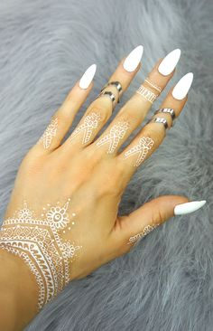 """ Vivian"" V-Shaped Silver - Ring"