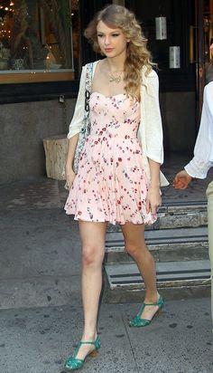 Taylor Swift - / Women´s Fashion Style Inspiring Casual - Moda Feminina Inspiração / Romantica