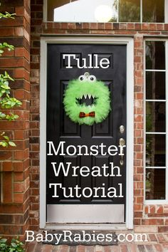 {Boo! It's A Monster Of A Wreath Tutorial} Dang, that's just cute. Any one else pulled out the Halloween decorations? I am tempted after this...