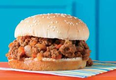 Sloppy Joes à la mijoteuse Sloppy Joe, Slow Cooker Recipes, Crockpot Recipes, Sandwich Recipes, C'est Bon, Freezer Meals, Pulled Pork, Hamburger, Sandwiches