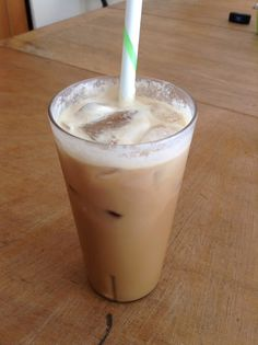 Iced Coffee - Trim Healthy Mama - S ~My Culinary Corner~ (morning shakes coffee) Morning Shakes, Iced Coffee Drinks, Healthy Iced Coffee, Coffee Blog, Coffee Barista, Coffee Cozy, Coffee Mugs, Trim Healthy Momma, How To Make Ice Coffee