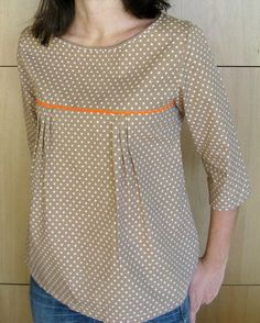 The best DIY projects & DIY ideas and tutorials: sewing, paper craft, DIY. DIY Women's Clothing : patron gratuit tunique japonaise More -Read Sewing Patterns Free, Clothing Patterns, Free Pattern, Japanese Sewing Patterns, Pattern Sewing, Sewing Ideas, Diy Clothes, Clothes For Women, Sewing Blouses
