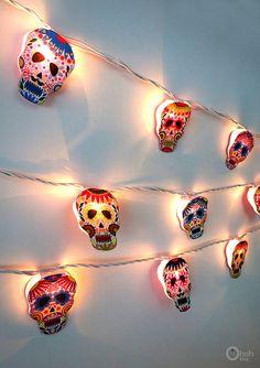 A guirnalda con luces para Halloween y el dia de los por OhohBlog