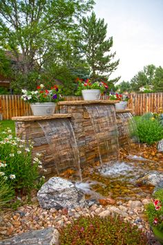 34 Awesome Backyard With Water Garden Design Ideas - Building a backyard water garden is an adventure. The process itself is fairly straightforward, but assembling the proper pond supplies can be a littl. Diy Water Feature, Backyard Water Feature, Ponds Backyard, Backyard Patio, Backyard Landscaping, Landscaping Ideas, Backyard Waterfalls, Inexpensive Landscaping, Natural Landscaping