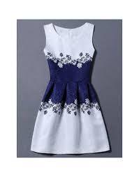 Vestido azul marino con blanco