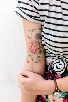 Floral Tattoo Ideas For Girls (32)