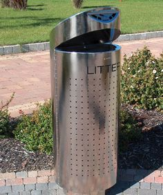 http://www.hartecast.co.uk/litter-bins-hc2050-range/ Stylish Stainless Steel litter bin from Hartecast's product range. Available with Polished or Bead Blast finish.