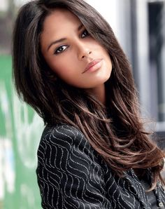 Wowwwww. This is one and only Emanuela de Paula. True beauty beyond words.